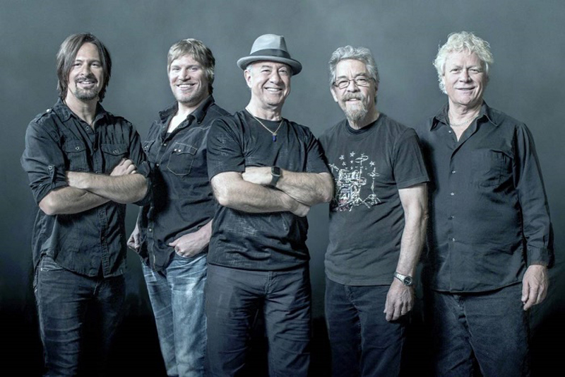 Credence Clearwater Revisited no Tom Brasil